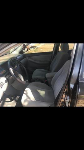Vendo/troco corrola 2006 xei carro novo de garagem - Foto 3