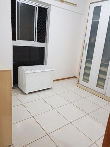 Alugo quarto mobiliado p mulher e - Foto 3