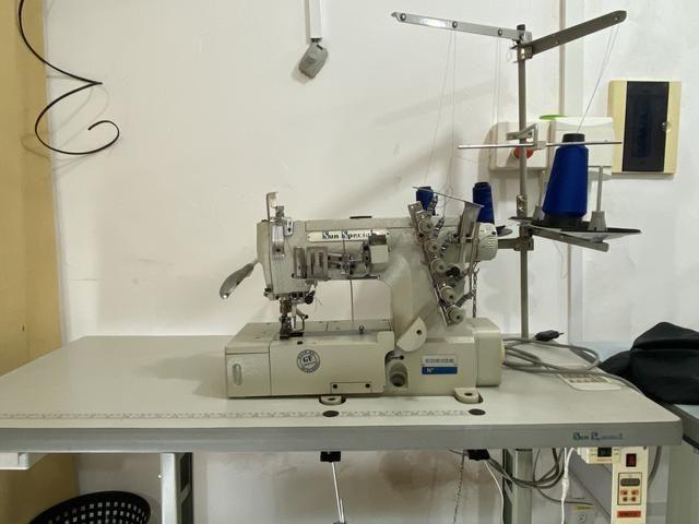 Máquina INDUSTRIAL Galoneira de costura - Foto 3