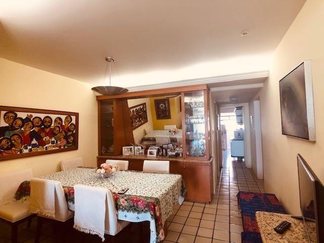 Apartamento Beira-mar 4 quartos, 2 suítes e 3 vagas, super conservado - Foto 5