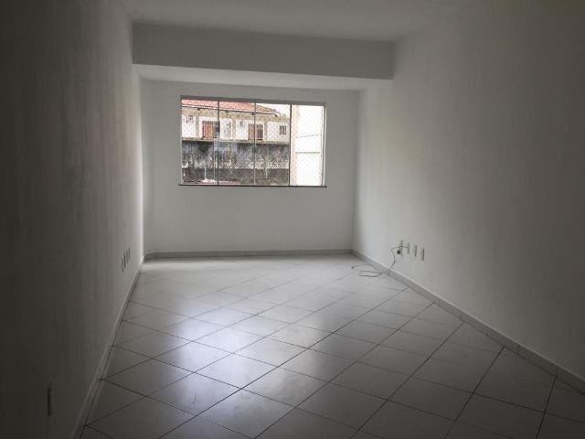 Apartamento no centro da cidade com 3 quartos - Foto 2