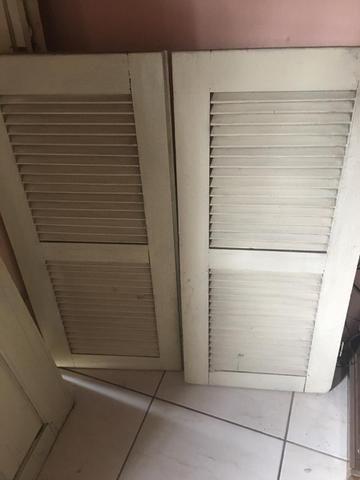 Vendo janela de madeira - Foto 2
