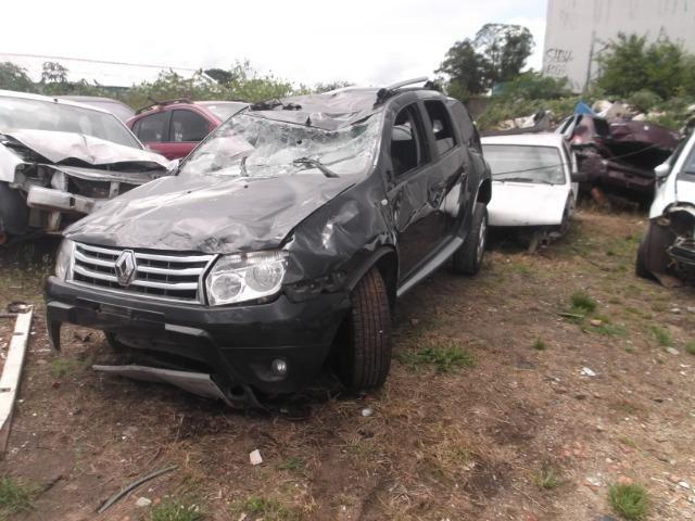 Sucata Renault Duster para retirada de peça