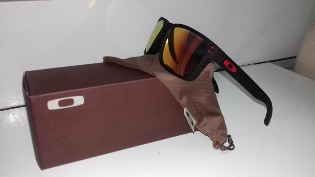 66e6c992c3b3b Óculos da Oakley Holbrook Polarizado - Outros itens para comércio e ...