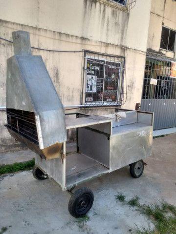 Vendo se um carro de churrasco
