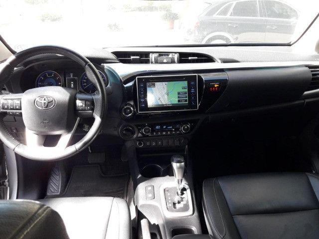Toyota Hilux 2.8 SRX 2017 - Entrada + parcelas de R$2.499,00 - Foto 3