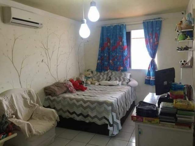 Vendo Ótima Casa de Condomínio em uma excelente localização - Foto 3