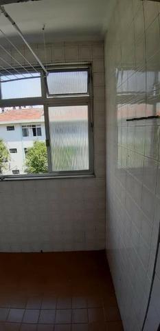 Aparecida - 2 dormitórios, sala 2 ambientes, área de serviço e garagem - Foto 15