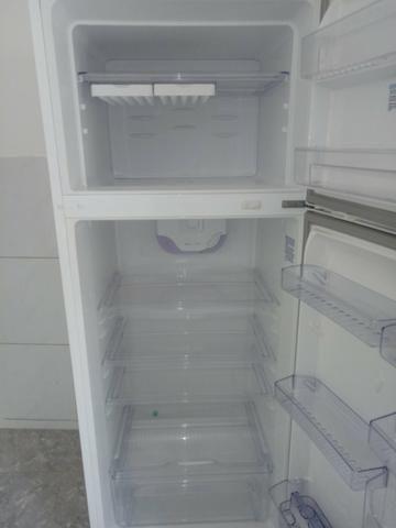 Vendo uma geladeira eletrolux - Foto 5