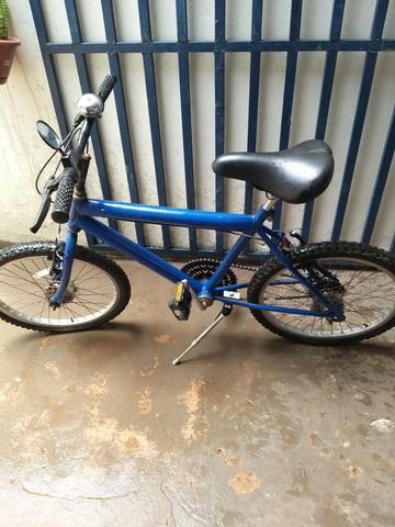Vendo bicicleta aro 20 td funcionando wats * passo débito e crédito nao parcelo - Foto 2