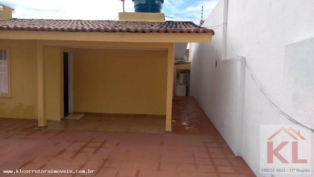 Linda casa, 3 quartos(2 suites), cerca e portão eletrônico, próx. a Leroy Merlin - Foto 2