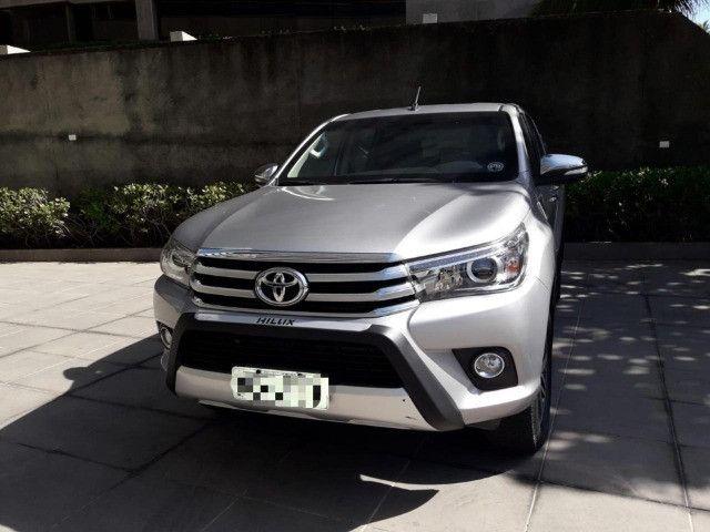 Toyota Hilux 2.8 SRX 2017 - Entrada + parcelas de R$2.499,00 - Foto 4