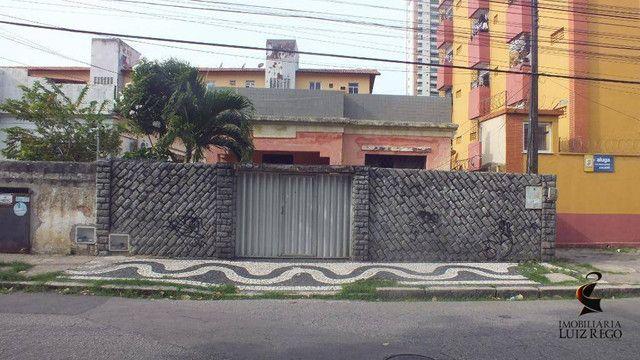 CA1142- Aluga Casa no Centro com 4 quartos, 1 vaga, próx. Colégio Militar