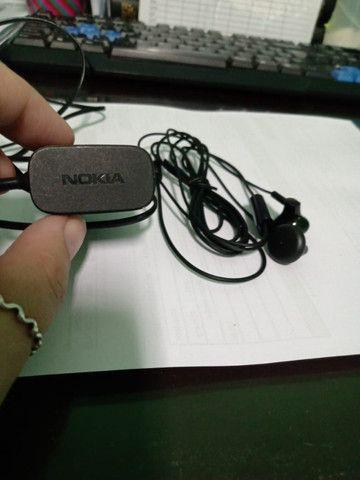 Carregador e fone originais Nokia