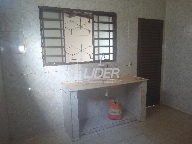 Casa para alugar com 3 dormitórios em Planalto, Uberlândia cod:863301 - Foto 16