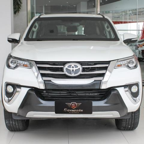 TOYOTA HILUX SW4 2017/2017 2.8 SRX 4X4 7 LUGARES 16V TURBO INTERCOOLER DIESEL 4P AUTOMÁTI - Foto 2