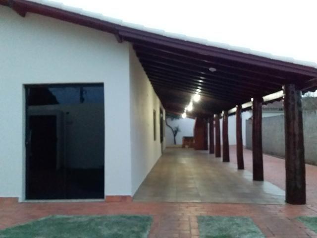 Alugo ótima casa contendo 4 quartos, prox Universidade Pacífico nova