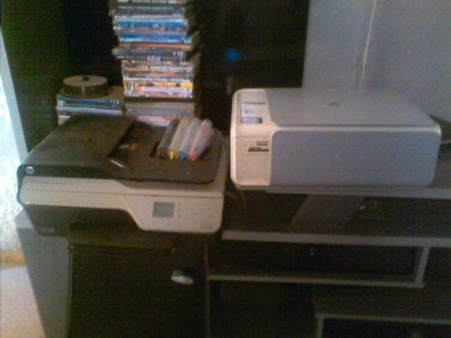 Duas impressoras multifuncional HP