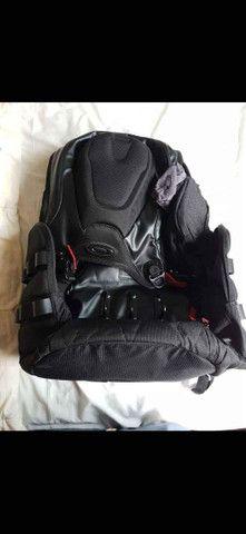 A Mochila Oakley Big Kitchen Backpack 35L Black  - Foto 3