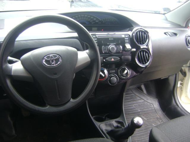 Toyota Etios 1.3 x 2014/2014 3519-1102 Simone - Foto 17