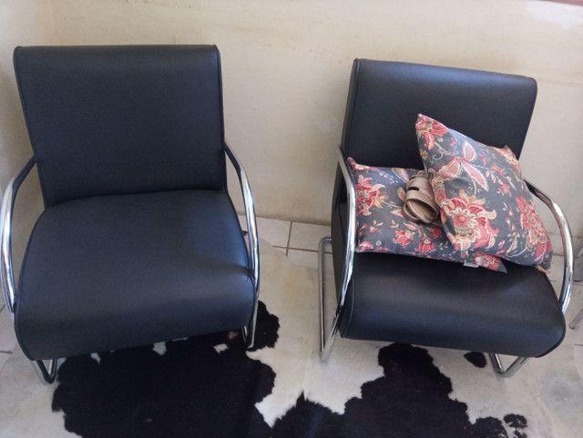 2 sofá courino semi novo  - Foto 2