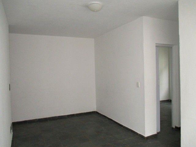 Aluguel - Apartamento de 02 Quatos - Próximo à Unimed - Ed. Village do Itaboraí - Foto 3