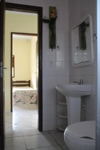 Aluguel Temporada casa Itapoá SC* p/ 30 pessoas. piscina 9 quartos, 6 banheiros, cozinhas  - Foto 18