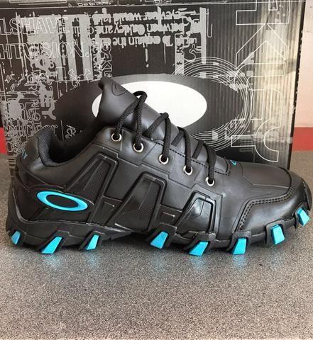 7c147b54b OAKLEY tênis preto azul O F E R T A - Roupas e calçados - Cj Hab J M ...
