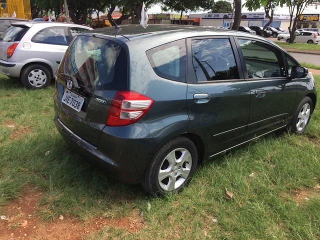 Vendo troco ou financio Honda fit - Foto 3