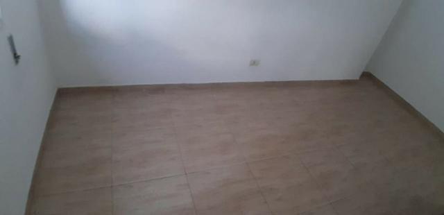 Aparecida - 2 dormitórios, sala 2 ambientes, área de serviço e garagem - Foto 13