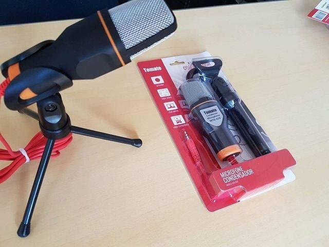 Microfone Condensador com Tripé de alta qualidade.