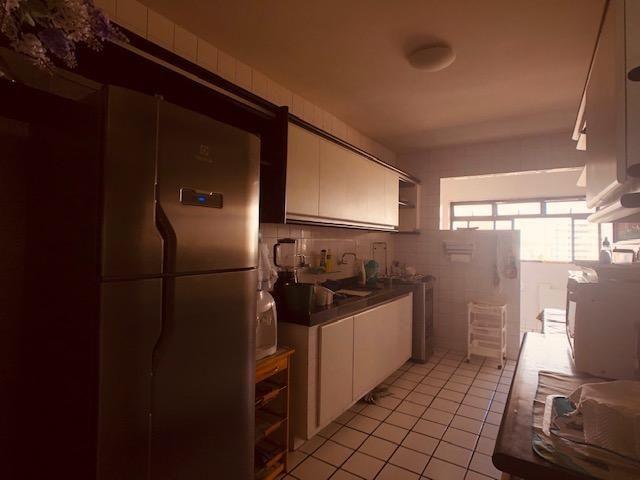 Apartamento Beira-mar 4 quartos, 2 suítes e 3 vagas, super conservado - Foto 14