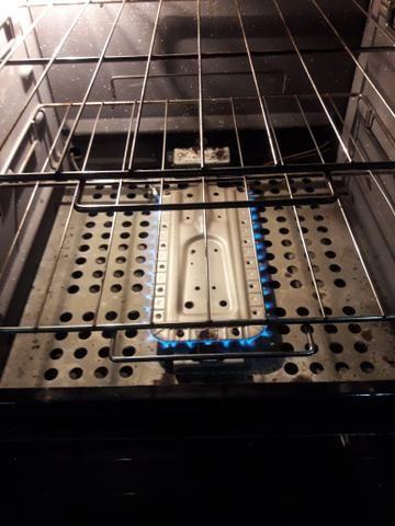 Fogão electrolux 4 bocas e 2 fornos - Foto 3