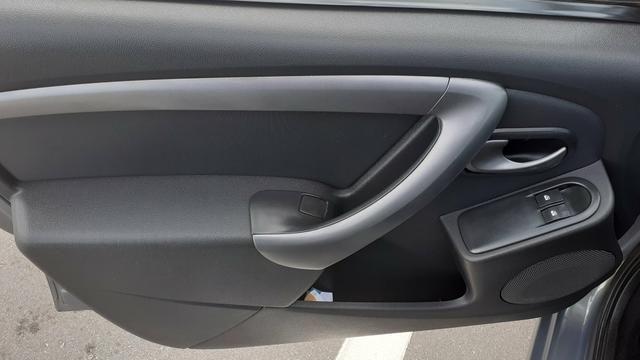 Sandero 1.0 16v completo,air bag e abs - Foto 8