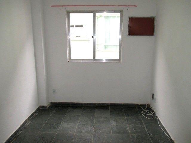 Aluguel - Apartamento de 02 Quatos - Próximo à Unimed - Ed. Village do Itaboraí - Foto 8