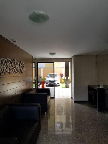 Vende-se apartamento na Ponta Verde perto da praia - Foto 2