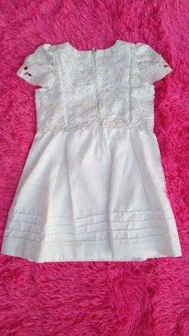 Lindos vestidos e calcinhas infantis