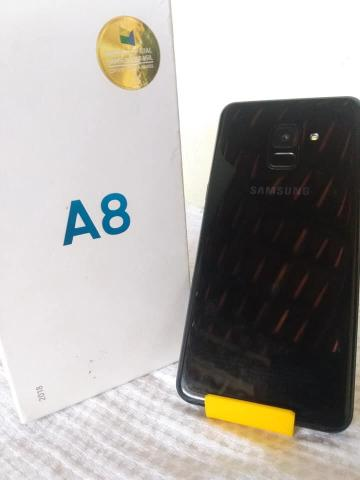 Samsung Galaxy A8 64GB - Foto 2