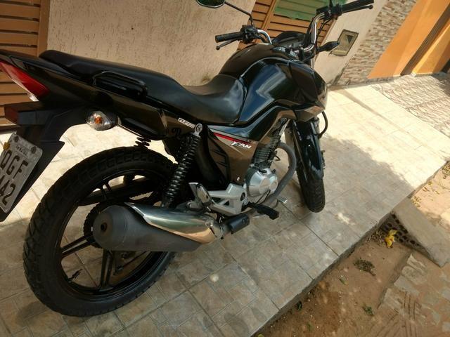 Vendo ou troco por moto de menor valor 160 2016
