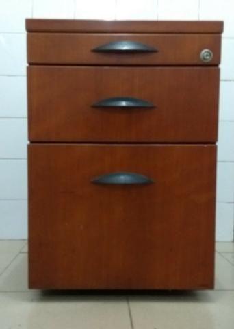 Armário semi-novo madeira maciça marca Florense -Tipo gaveteiro - Foto 3