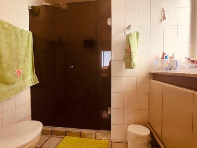 Apartamento Beira-mar 4 quartos, 2 suítes e 3 vagas, super conservado - Foto 7
