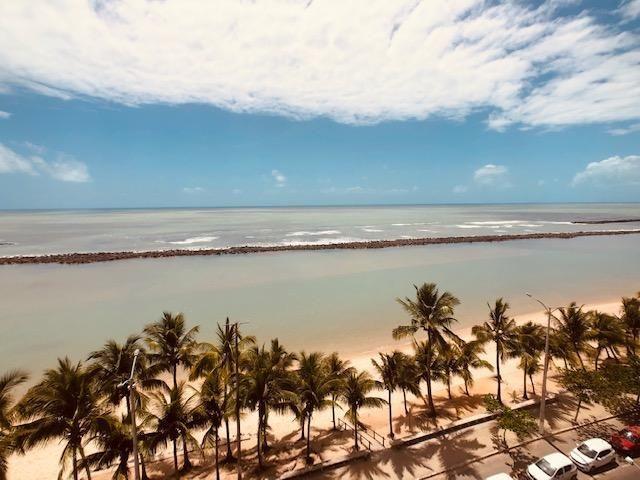 Apartamento Beira-mar 4 quartos, 2 suítes e 3 vagas, super conservado - Foto 3