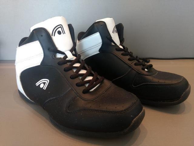 dd7089879d4 Tênis de Basquete Adams - Roupas e calçados - Abranches