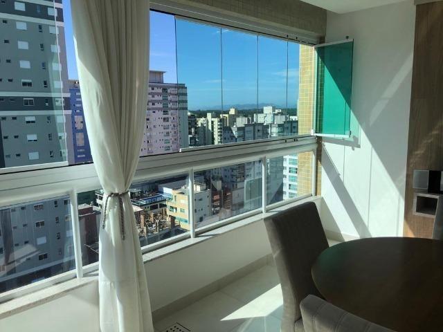 Apartamento 3 suítes Decorado Meia praia - Foto 6