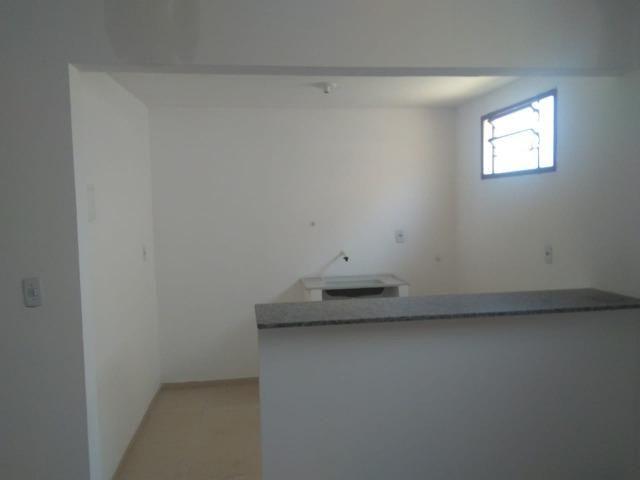 Apartamento novo com 01 suíte, condomínio fechado, próximo ao CEV, Bairro Ilhotas! - Foto 6