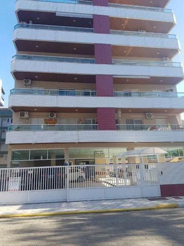 Apartamento c/ varanda e churrasqueira Ubatuba