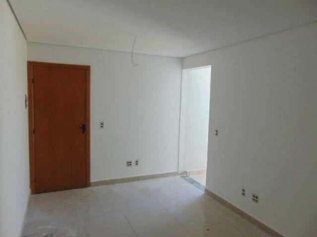 Lindo apto com excelente área privativa de 2 quartos em ótima localização B. Sta Branca. - Foto 3
