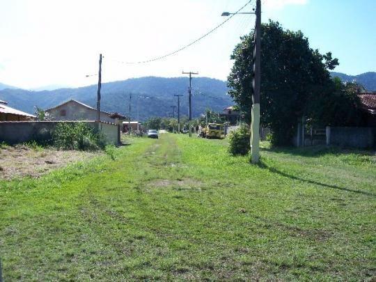 Magníficos terrenos em saquarema condomínio fechado com RGI lazer total - Foto 6