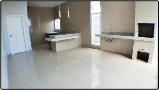 Casa 3 Suítes, 205 m² c/ varanda gourmet no Condomínio Aldeia do Sol