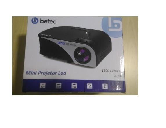 Mini Projetor Led - 1600 Lumen - BT830 - Sem uso e ainda na caixa